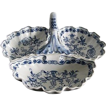 Large Triple Section Server - Blue Onion, Czechoslovakia
