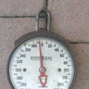 Primitive Vintage Hanging Scale Cast Iron Pull Down Cap. 400 lb Very Collectable