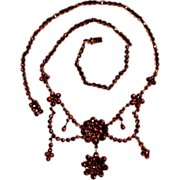 GARNET NECKLACE - A Stunning Mid-1800s Victorian Beauty