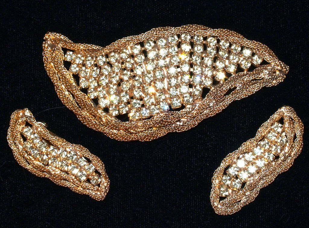 HATTIE CARNEGIE - Gold Mesh & Pave Rhinestone Brooch/Pin and Earrings/Clip Ons