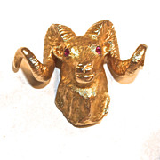 DALL SHEEP/RAM 10K Gold Tie Tack - Ruby Eyes - Bar & Chain