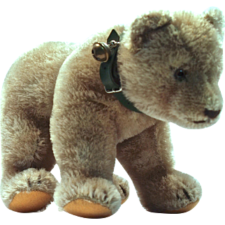 STEIFF Bear Cub on All Fours - Green Collar