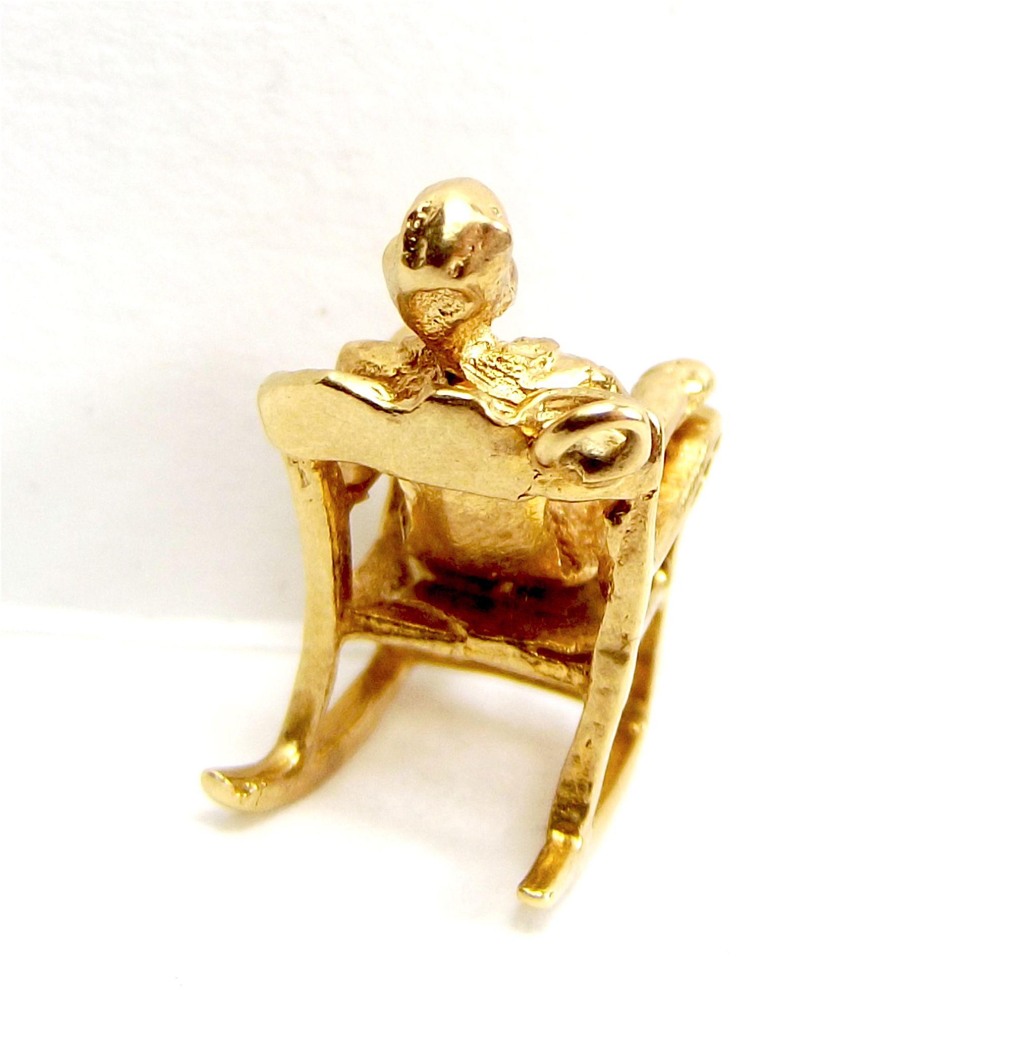 Vintage 9ct Gold Charm JF Kennedy In ROCKING CHAIR 1963 Dublin From . Full resolution  portraiture, nominally Width 1992 Height 2048 pixels, portraiture with #360202.