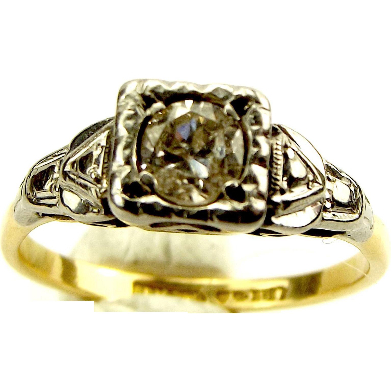 Beautiful Art Deco 18ct Gold, Platinum & 20-25 Point Diamond Ring