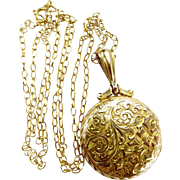 """Victorian 9ct Gold Ornate LOCKET Opens + 18"""" Gold CHAIN"""