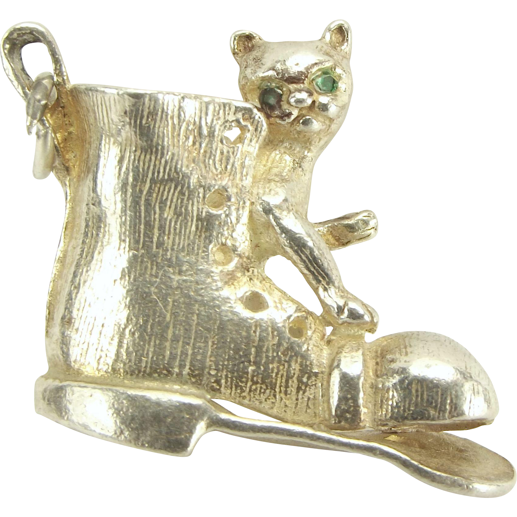 Vintage Silver Charm CAT/KITTEN In Old BOOT Green Eyes