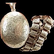 Antique Victorian Silver Book Chain COLLAR & LOCKET 1880 Opens