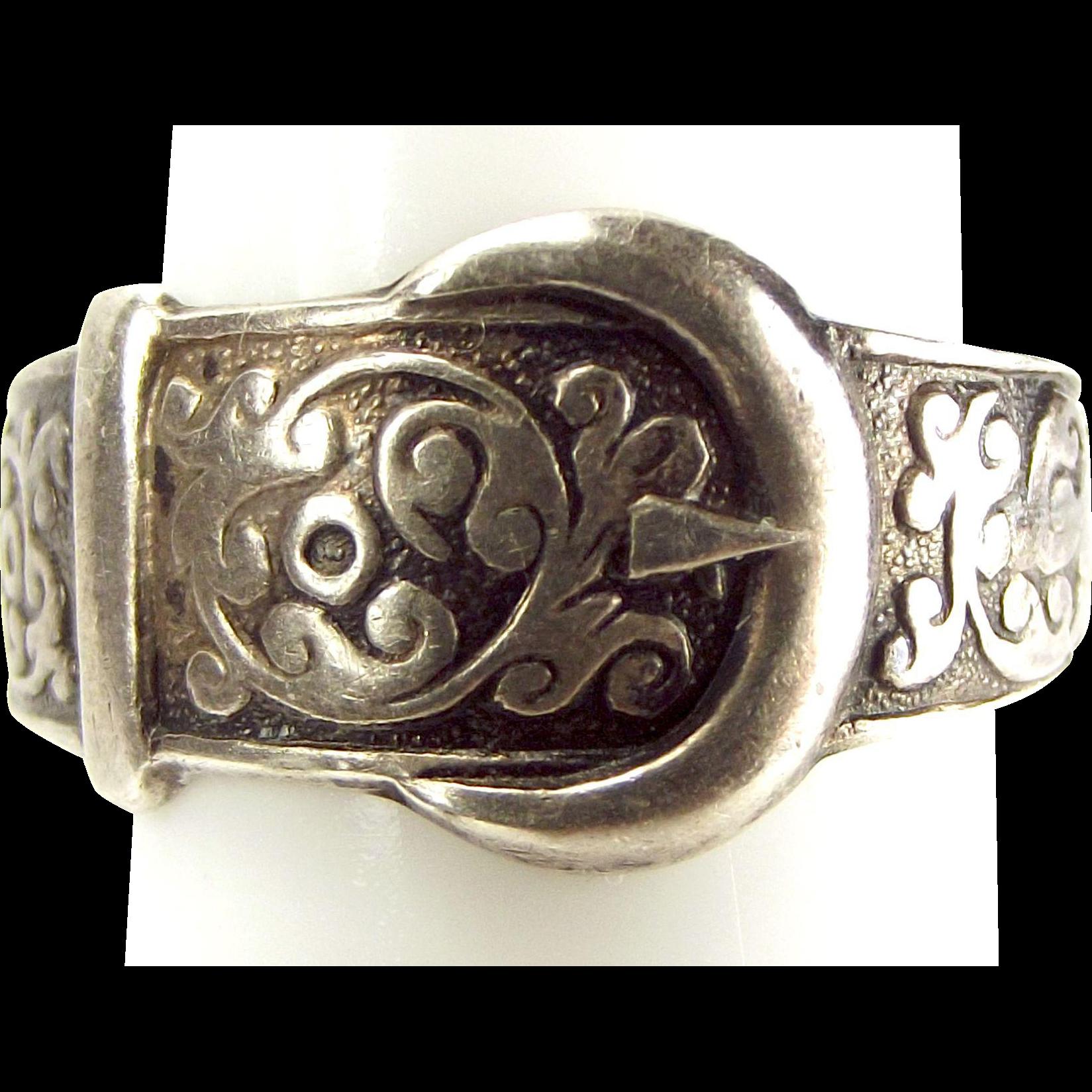 Vintage STERLING Silver Ornate BUCKLE Ring 1977