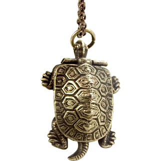 """Antique Silver Tone TURTLE Or TORTOISE Locket Opens COMPASS Japan 16 1/2"""" Silver Chain"""