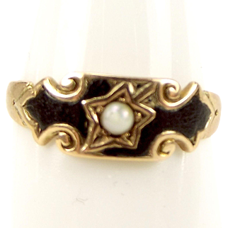Antique EDWARDIAN 9ct Gold, Enamel & OPAL Mourning Ring 1915