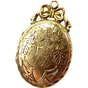 Victorian 9ct Gold B&F Oval LOCKET With Bow Detail