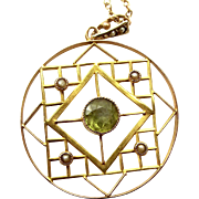 """Edwardian 9ct Gold PERIDOT Seed Pearl LAVALIERE & 17"""" 9CT Gold Chain."""