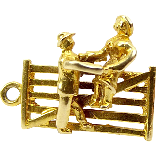 Vintage 9ct Gold Charm Courting COUPLE On Six BAR GATE 1984