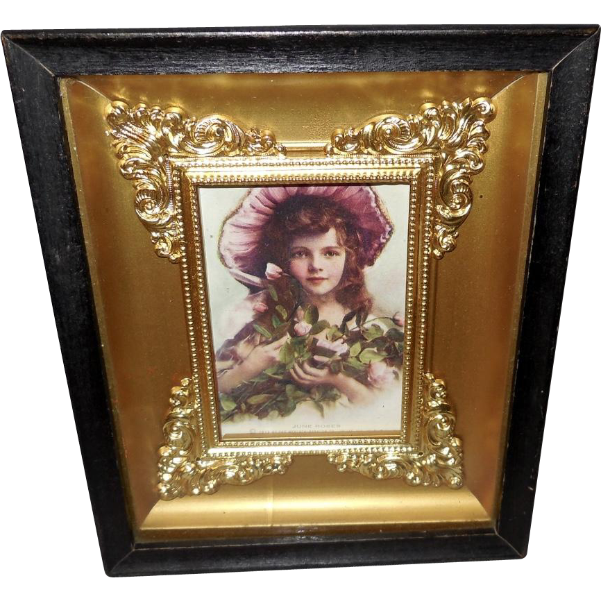 Small Shadow Box Frame With 1913 Print Of Young Girl From -6982