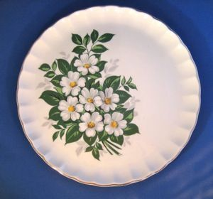 Set of Four - W.S. George White Flowers, Bolero shape Dinner Plates