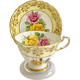 Paragon A3333/2 Pale Yellow and Gold Border Pink and Yellow Roses Teacup and Saucer