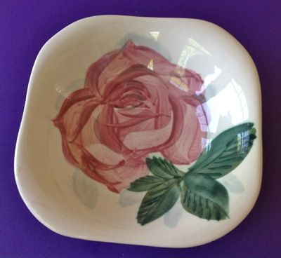 Red Wing, Lexington, Concord Line, Fruit Bowls - Set of Four