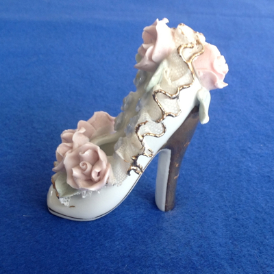 Vintage Porcelain Shoe With Pink Flowers Gold Toe And Heel