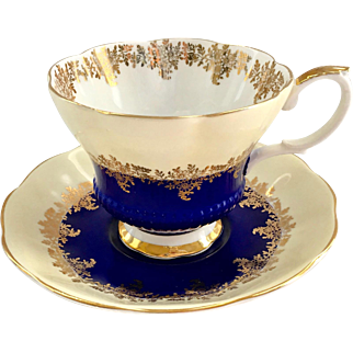 Royal Albert Bone China Pompadour Series Royal Blue Chelsea Shape Teacup and Saucer