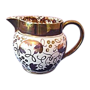 Wedgwood C5623 Gold on White Leaves and Loops Oversized Creamer