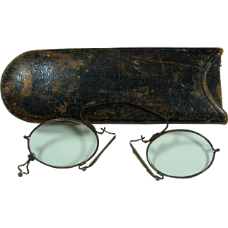 1870s 1880s  Pince Nez Eyeglasses With Case