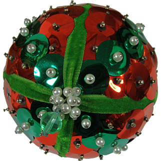 Retro Beaded Pinned Sequined Ornament Traditional Red and Green