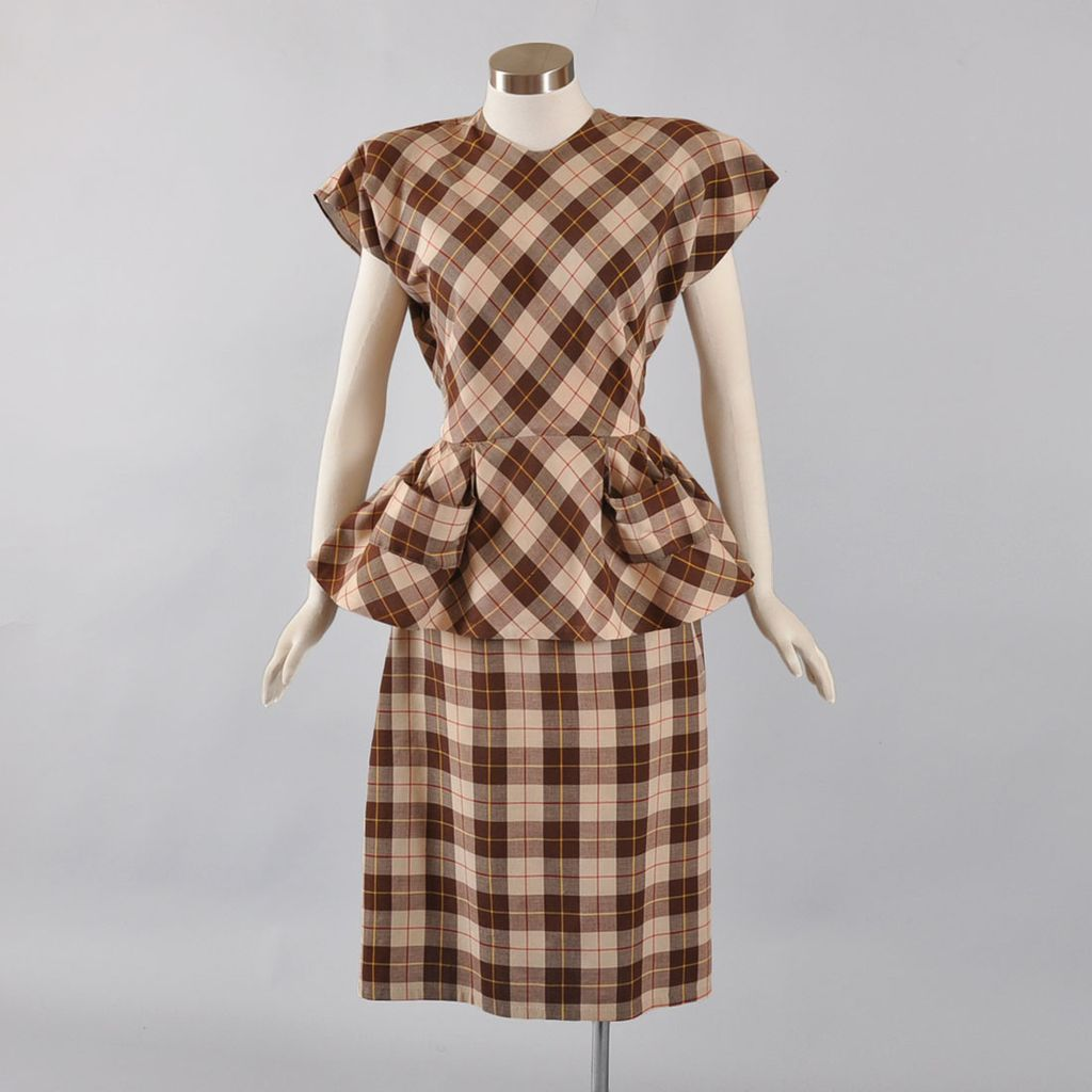 Iconic 1940's Check Plaid 2 pc Dress Suit - S / M