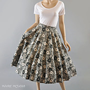 1950's Circle Skirt w/ Abstract Black & White Roses - S / M