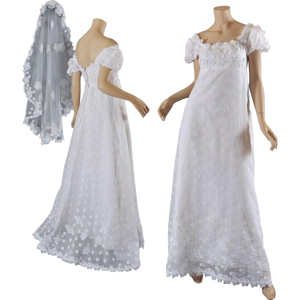 Vntg priscilla of boston 1960 39 s wedding gown w veil s m for Wedding dress shops in ma