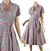 Charming Gray Plaid 1950s Dress - Best Details S / M