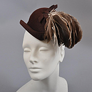 1940s Vintage Hat Toque / Fab Feather Trim