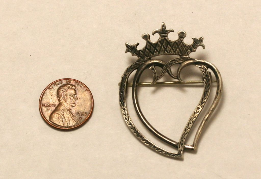 Vintage Sterling Silver Iona Scottish Luckenbooth heart wedding pin
