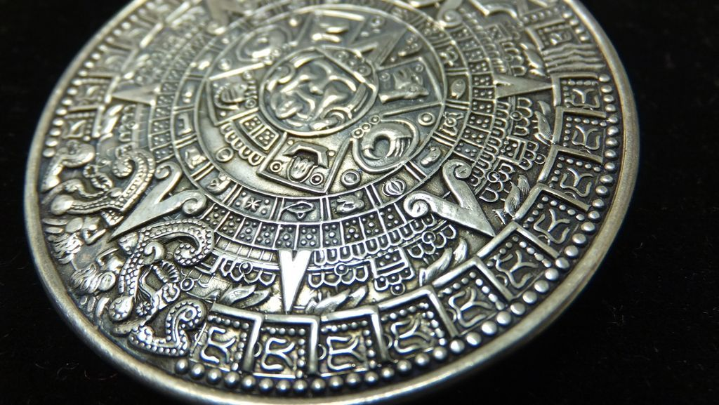 Vintage taxco mexico designer signed mb aztec calendar pendant roll over large image to magnify click large image to zoom mozeypictures Images