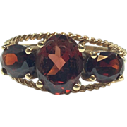 Vintage 1980s solid 10K Yellow Gold three stone Garnet ring