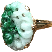 Vintage signed 10K yellow gold, green, and white carved jade ring