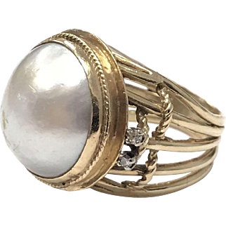 Extremely Large Vintage 1960s Mabe Pearl 14k gold Ring with Prong Set Diamonds