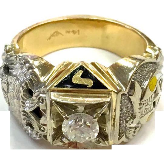 Vintage Fraternal Masonic 14k gold Diamond and Enamel Ring Size 8.75