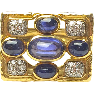 Vintage 1960s 18k Yellow Gold Sapphire Cabochon and Round Cut Diamond Statement Ring