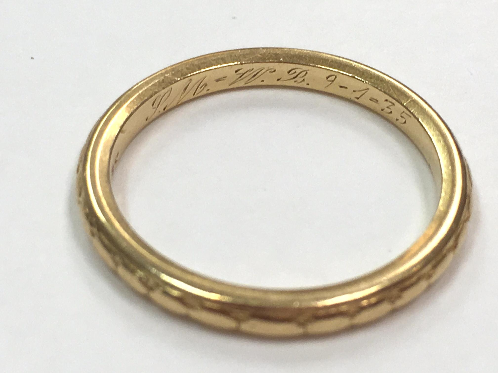 Vintage 1930s 18k Yellow Gold Band Brides Choice Wedding Ring by