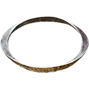 Vintage hammered 925 sterling silver modernist bangle bracelet signed Tone Vigeland, Plus, Norway Designs, Fredrikstad Norway