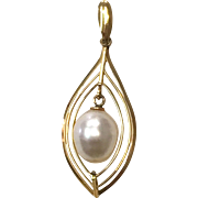 Vintage Pearl and 18K Yellow Gold Tear Shaped necklace Pendant