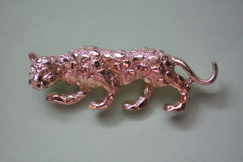 Leopard / Panther / Cougar / Cat Pin