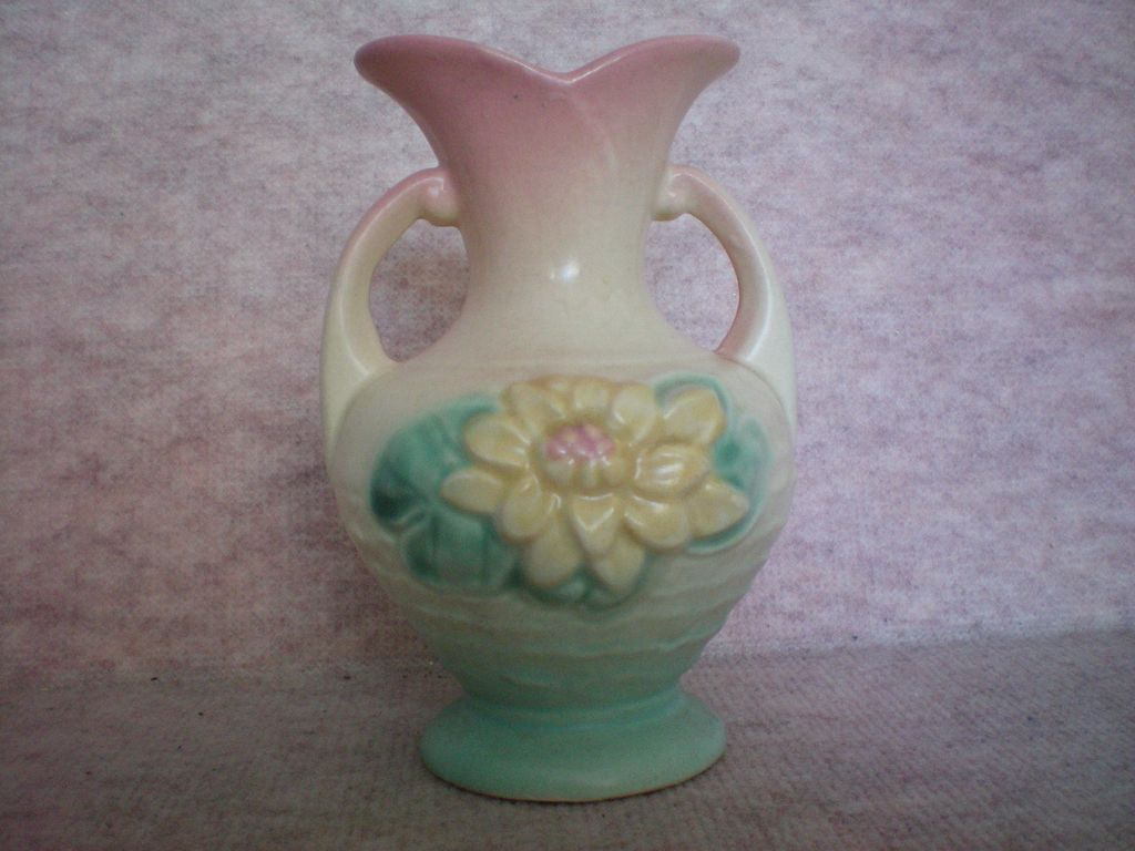 Hull Water Lily Vase - 5 ½ Inch