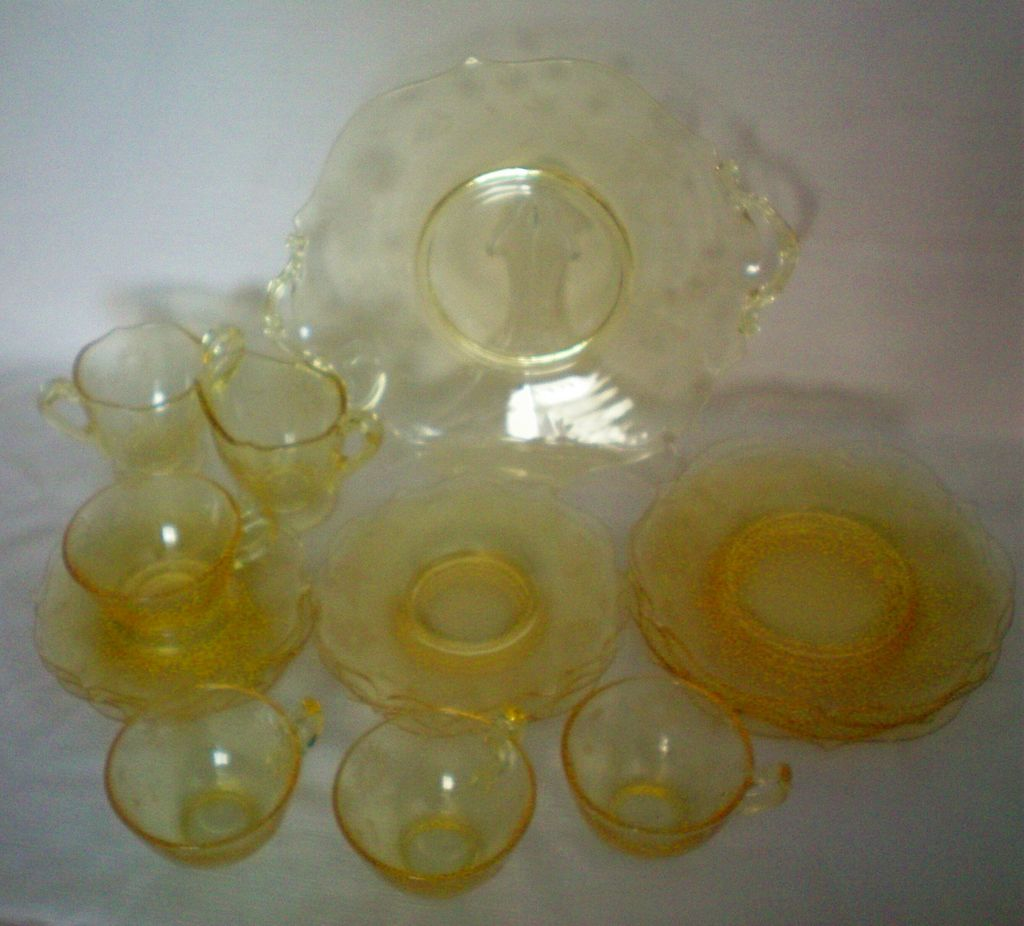 Lancaster Jubilee Depression Glass Luncheon / Dessert Set of 4