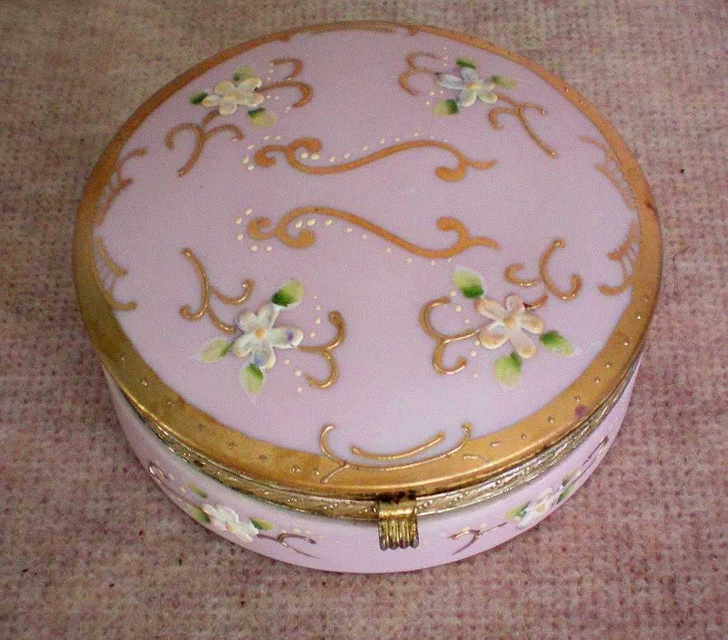 Pink Porcelain Trinket / Vanity / Dresser Box