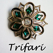 Trifari Philippe Diamond Cut Emerald Green Brooch – Pat Pend.
