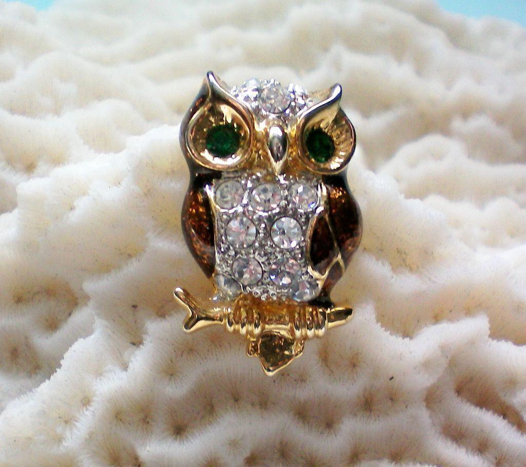 Tiny Enamel & Rhinestone Owl Pin / Tie Tack