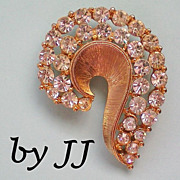 Golden Swirl and Rhinestone Pin Signed JJ
