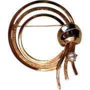 Cultured Pearl Golden Circle Brooch