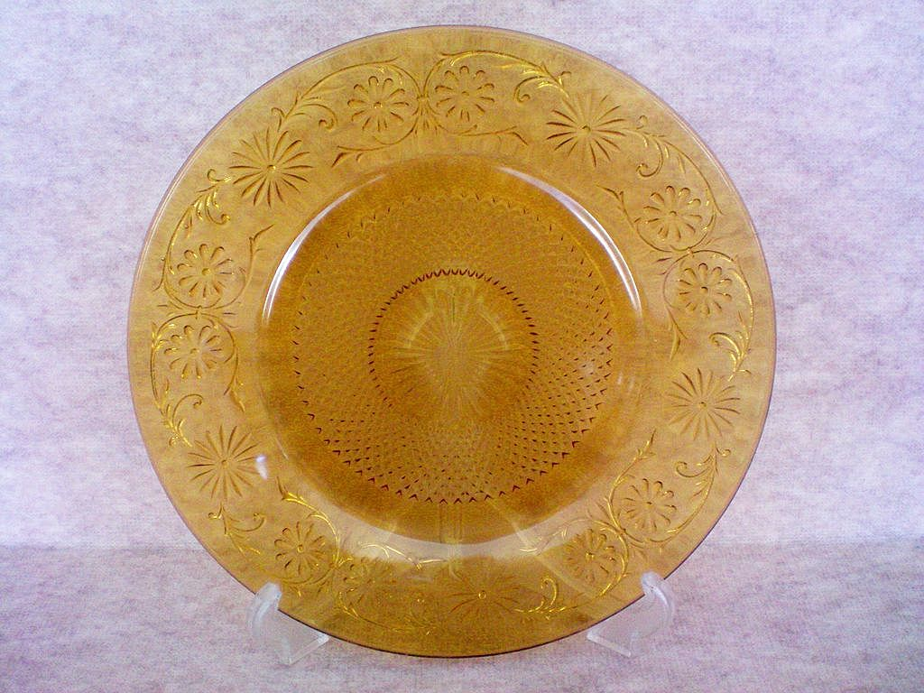 Sandwich Glass Cake Plate in Amber